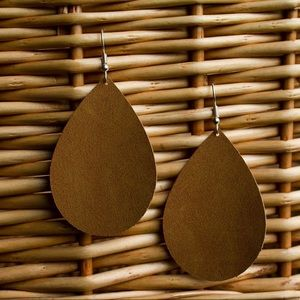 Suede Earrings | Camel